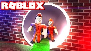ESCAPE FROM JAIL IN ROBLOX!