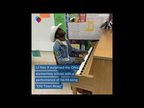 """Lil Nas X surprises Ohio elementary school kids with """"Old Town Road"""" performance"""