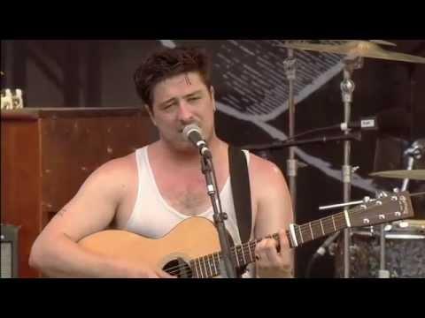 Mumford & SonsHopeless Wanderer Live from Bonnaroo 2011