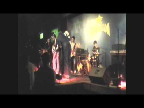 Republik 21 Feat Emillio n Joe  No Woman No Cry @Fame Station Bandung.mp4