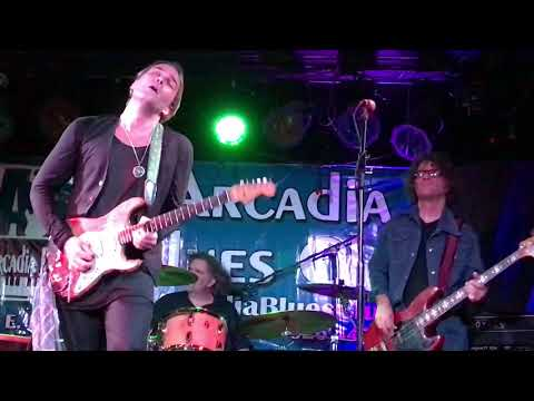 Philip Sayce .Blues Ain't Nothing But A Good Woman On Your Mind.November 2017.