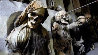 Ужасные музеи мира или музеи в которых  не скучно, а страшно. Uzhasnyie muzei mira(Ужасные музеи мира или музеи в которых не скучно, а страшно Подпишись https://www.youtube.com/channel/UCemTdlDgVAWeHlDzTRd9rIA При..., 2016-01-14T10:58:42.000Z)