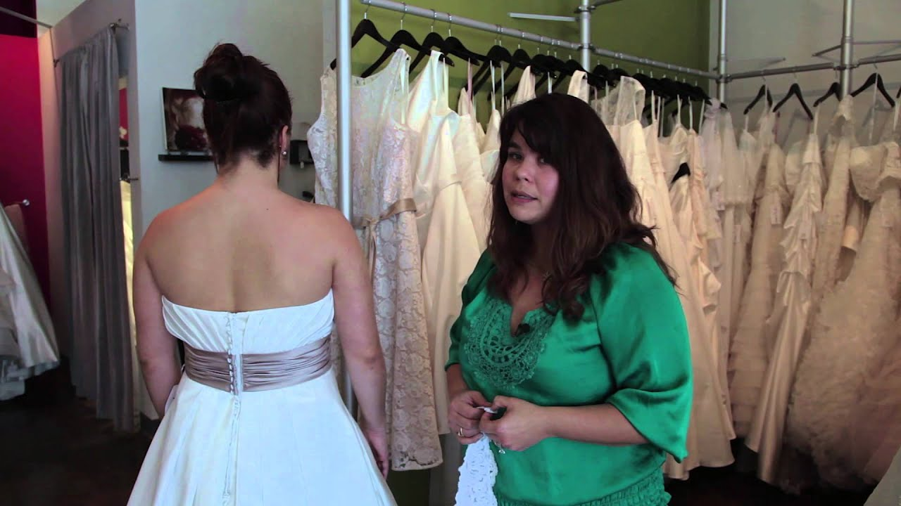 How To Hide Back Fat With Plus-Size Bridal Gowns : Bridal