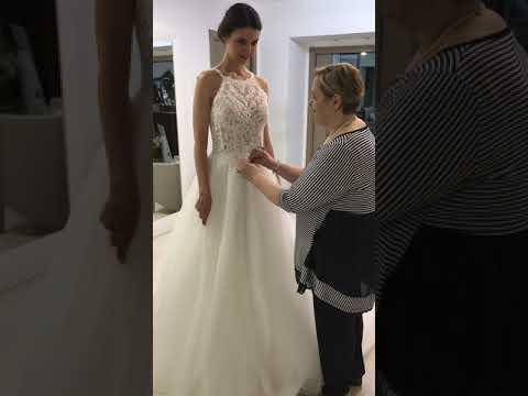 Abiti Da Sposa Wandas Dress.Abiti Da Sposa 2020 Anteprima Wanda S Dress Youtube