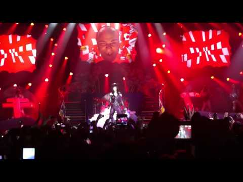 Katy Perry - Circle the Drain - Vienna - 27.2.2011