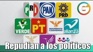 Mexicanos repudian a los políticos