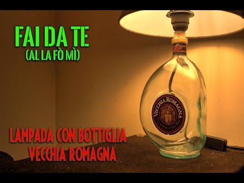 Lampadari Fatti Con Bottiglie Di Vetro.Come Creare Una Lampada Con Bottiglia Vecchia Romagna Tutorial Zerospreco