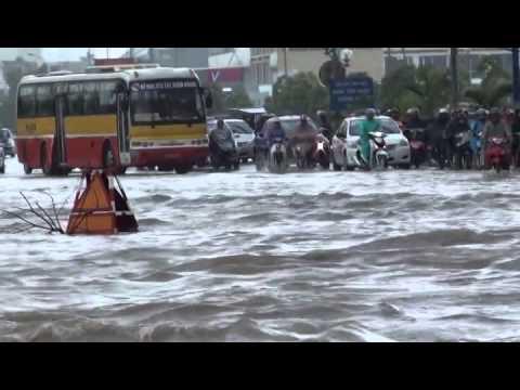 Toàn cảnh ngập lụt do mưa lũ ở Hà Nội