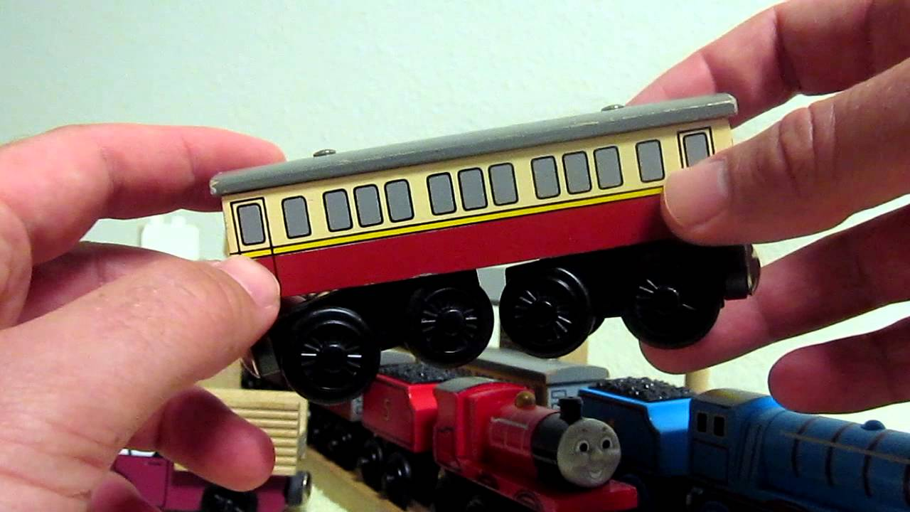 Thomas Wooden Railway Express Coach Review
