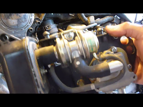 (7)Yamaha Virago Vacuum Line And Cover Removal To Get To Carbs