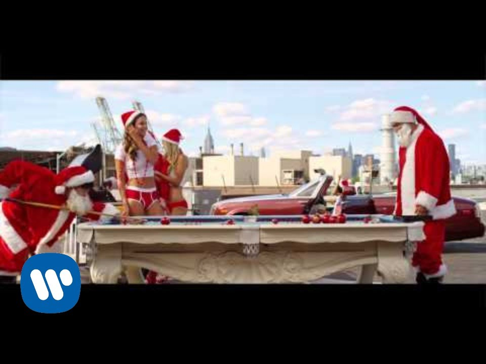 CeeLo Green feat. Rod Stewart - Merry Christmas, Baby [Official ...