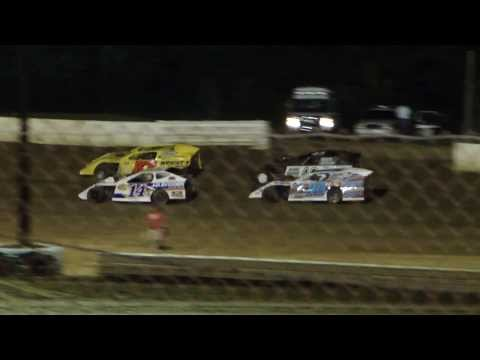 Josh Harris racing Tony Stewart at Paducah International Speedway! 8/1/2013