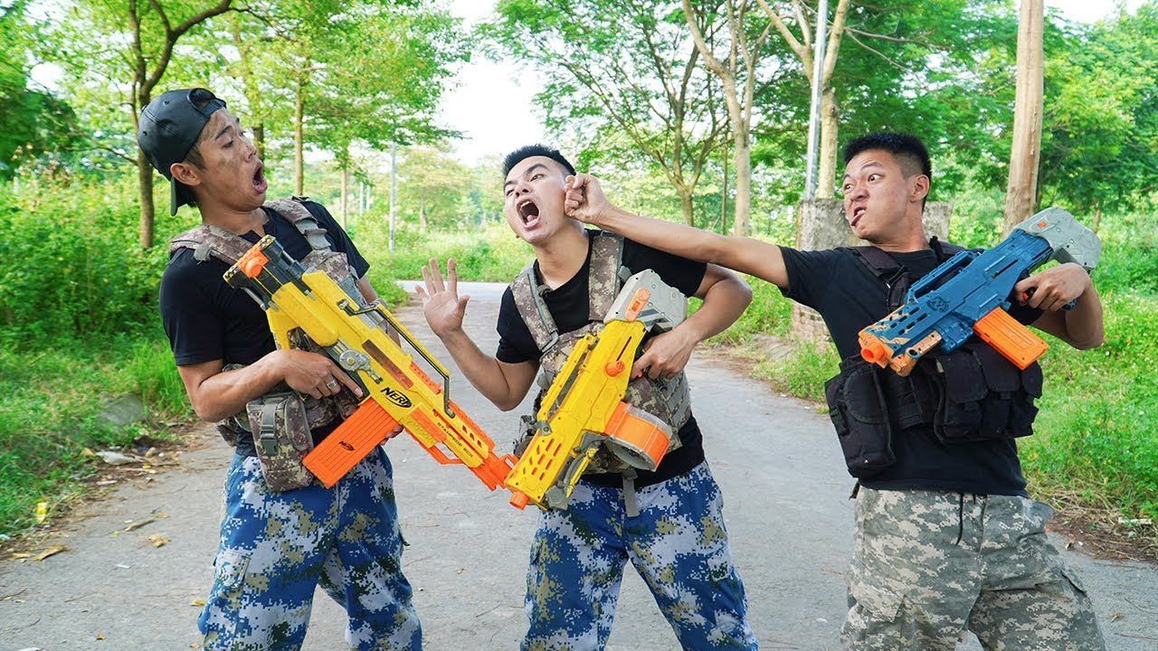 Battle Nerf War: Two idiots & Blue Seal Nerf Guns Robbers Group CAMILAN BATTLE