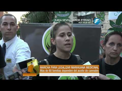 Marchan para legalizar la marihuana en Paraguay