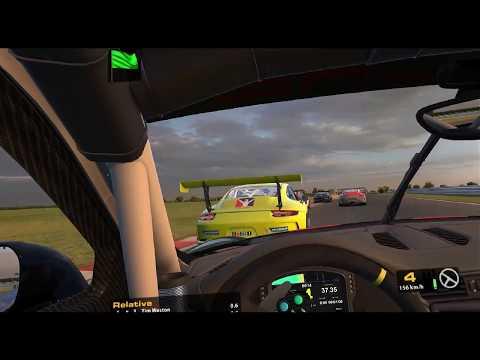 iRacing VR - Porsche 911 Cup at Snetterton (Top Split - Full Race)