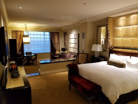 the-palazzo-king-suite-tour-&-review---luxury-bargain!!-👈