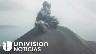 La impresionante erupción de un volcán captada desde su cúspide