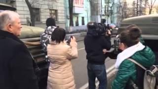 Альфа заняла оборону возле администрации Януковича