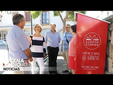 VÍDEO: Libros Libres, un proyecto para acercar la lectura a los ciudadanos en plazas y parques de Lucena