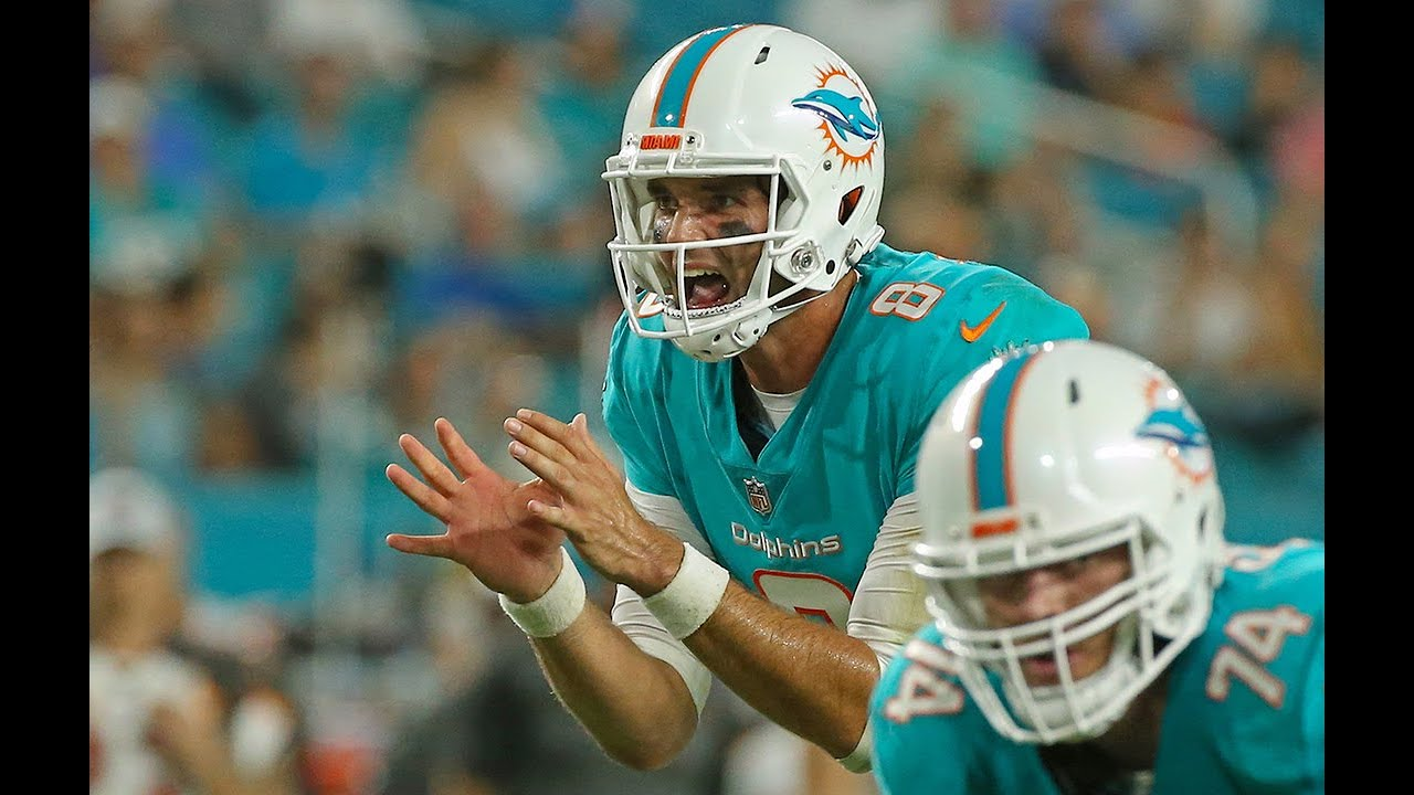 Miami Dolphins quarterback room would look better if talks with this player ...