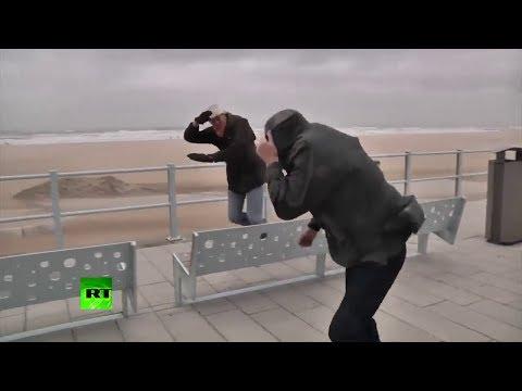 Video: Huracán Xavier paraliza el norte de Europa y deja muertos