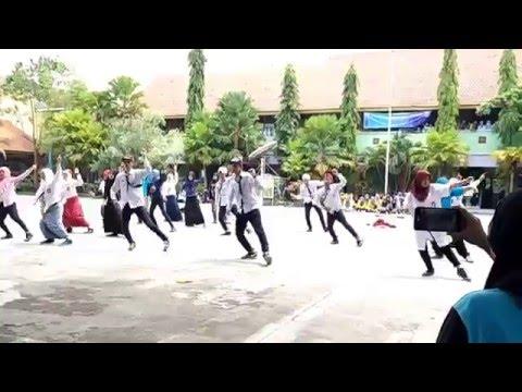 flashmob dance keren juara 1 classmiting