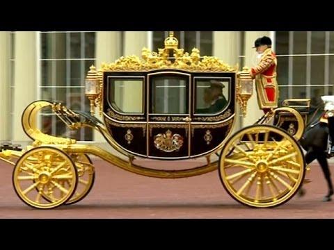 Елизавета II испытала уникальную карету (новости)