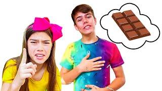 Настя и Артем - забавный челлендж с шоколадными игрушками