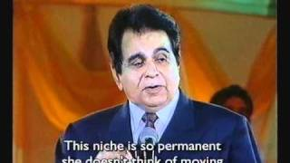 Dilip Kumar pays tribute to Lataji