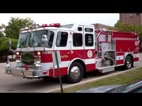 Roselle Illinois Fire Department Engine 521 Responding