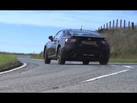 Toyota GT86 / Scion FR-S v Nissan 370Z v Used Porsche Cayman S - /CHRIS HARRIS ON CARS