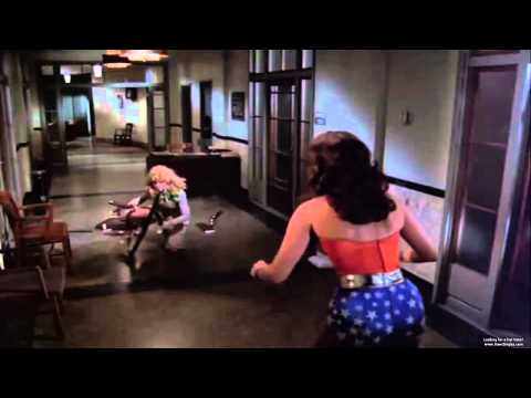 Wonder Woman catfight scene