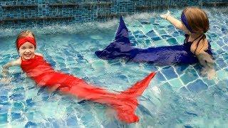 Русалки в басейні ХВІСТ РУСАЛКИ розпакування і ПЕРЕТВОРЕННЯ В РУСАЛКУ Real little Mermaid