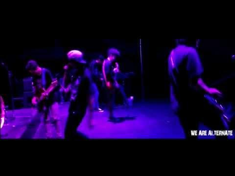 Alternate band bali ( opening at boshe 17 Desember 2013 )