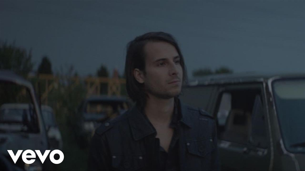 video: Bobby Bazini - C'est La Vie (Audio)