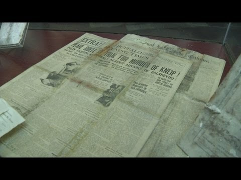 Buffalo leaders open time capsule from 1920