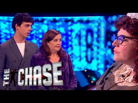 Patti Clare and Matt Richardson's £63,000 Final Chase  The Celebrity Chase Christmas Special