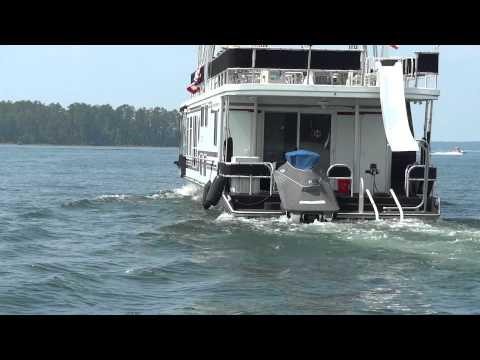 houseboat on clark hill lake