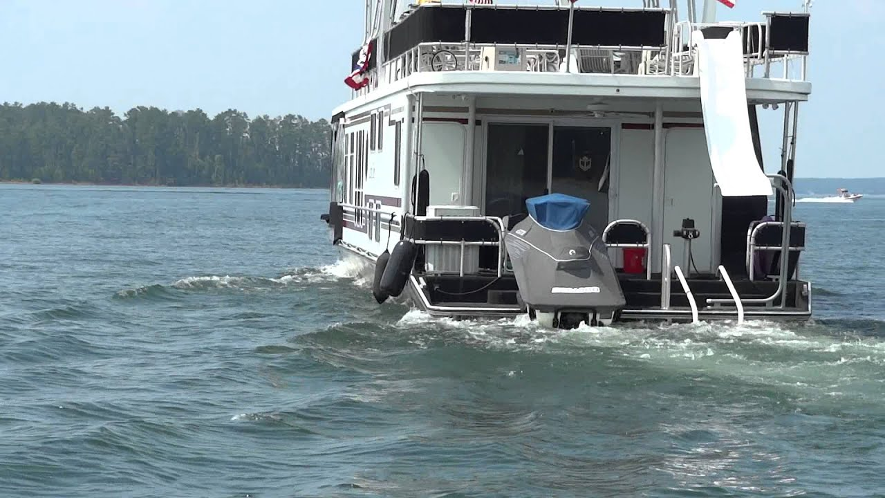 Houseboat on clark hill lake youtube for Clarks hill lake fishing report