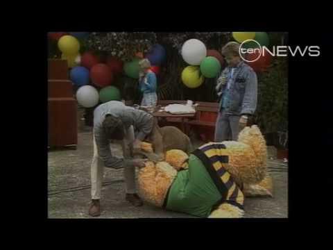 Rags the Kangaroo attacks Marty the Monster