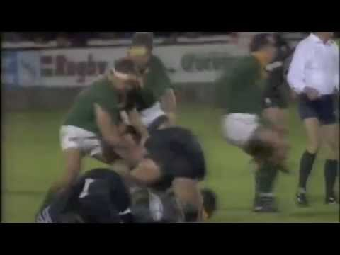 The Battle of the Gnoll - Neath v South Africa [big rugby fight]