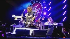 Foo Fighters - Cinnamon Girl (Neil Young cover Toronto July 8, 2015)