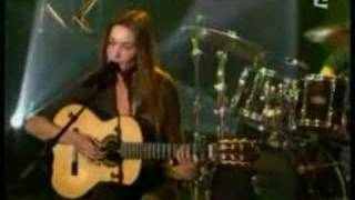 Download Carla Bruni - Raphaël MP3 song and Music Video