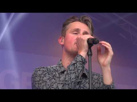 Tom Chaplin  -  It's A Hard Life  (Queen Cover )