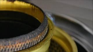 アラジンのヒーターの芯をはさみでメンテしている動画です。 http://mid...