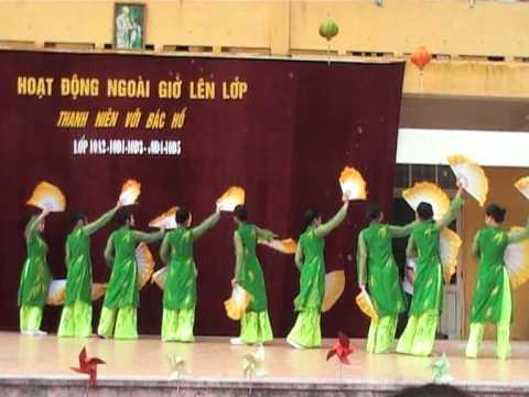 Múa: Bức Tranh Quê - Học sinh khối 11 Phan Huy Chú