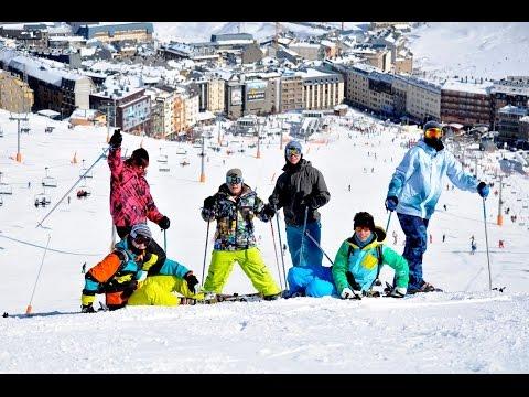Andorra (Pas De La Casa) 2012 - Fancy Dress Skiing - Mental Holiday!