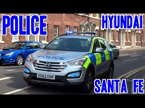 Police siren & lights - Hyundai Santa Fe & old Vauxhall Astra