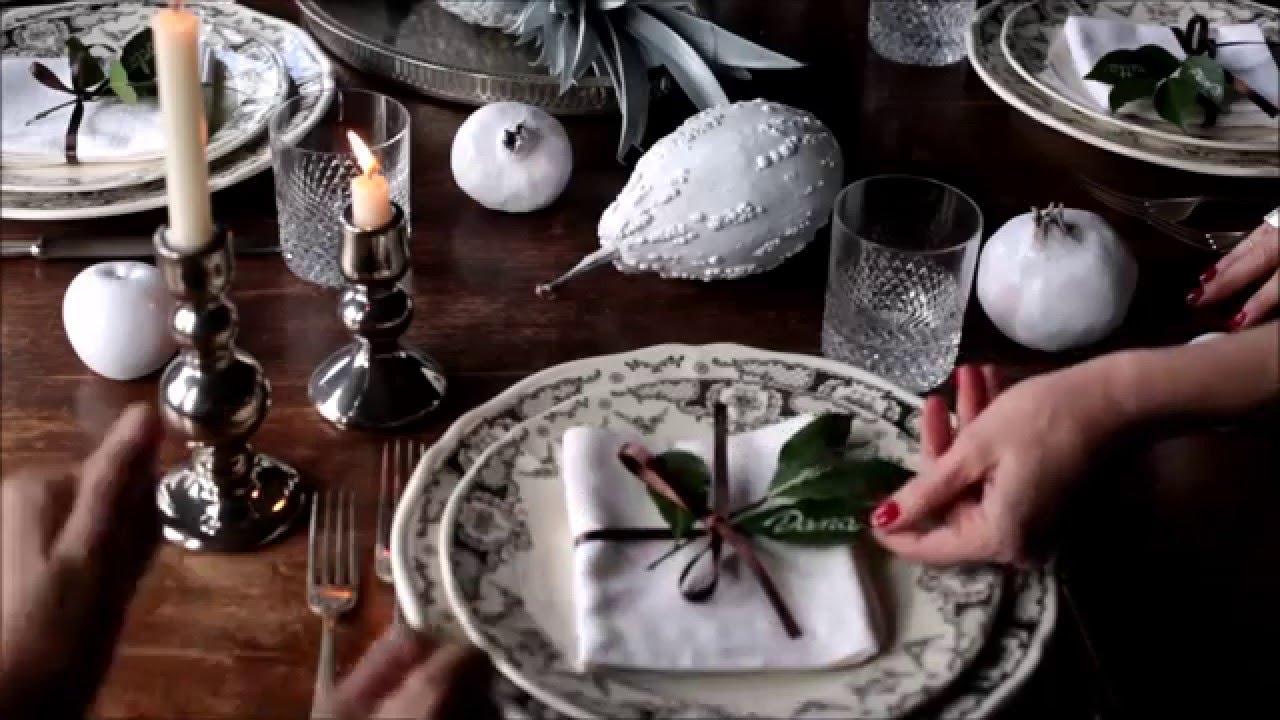 Arredare Tavola Natale decorazione vegetale total white per la tavola di natale. 2 ladies in  giardino