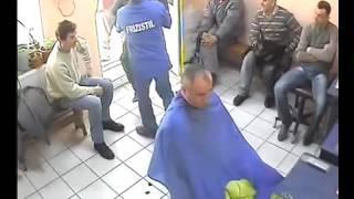 Fight ! Bataie frizerie Interlopi.